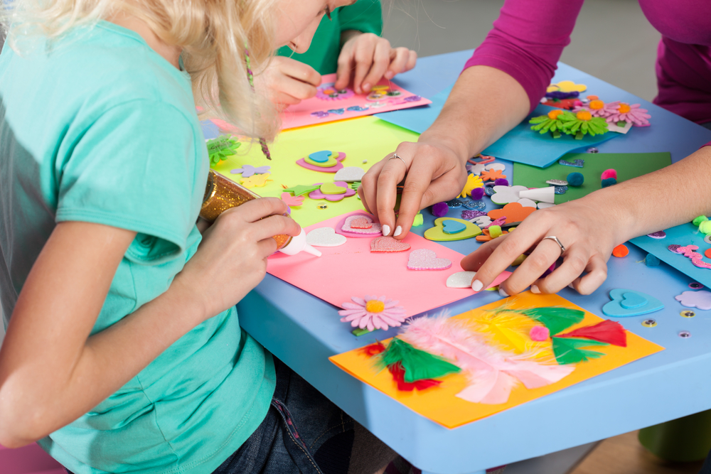 Bored Preschoolers? Try These 7 Summer Craft Ideas!